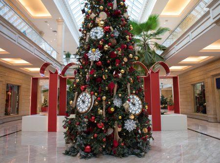 christmas mall decor
